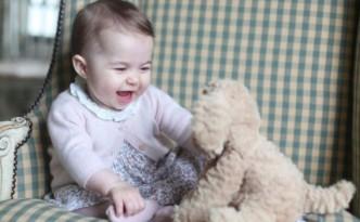 фото принцесса Шарлотта Кембриджская